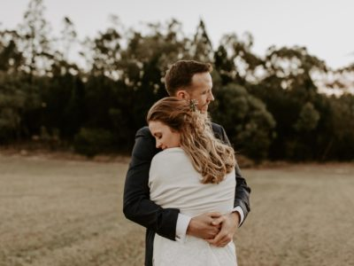 Anna + John // Stanthorpe Cabin Wedding